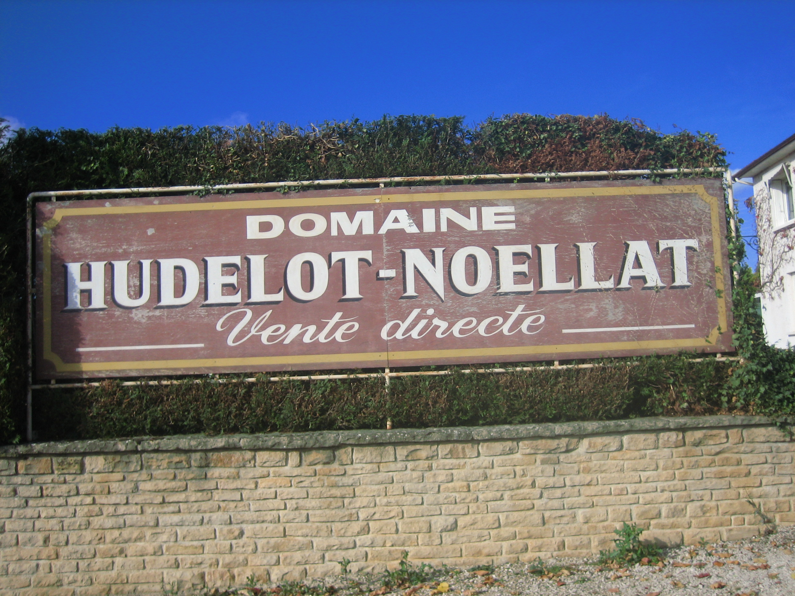 Burgundy 2007 HUDELOT NOELLAT SIGN